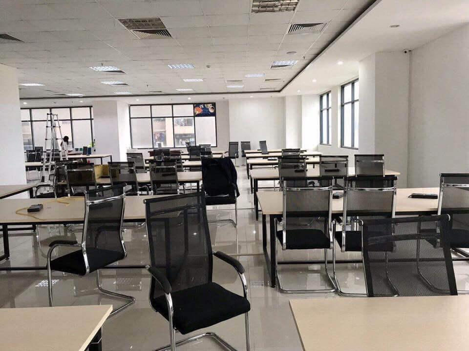 Thu mua bàn ghế văn phòng cũ tại TPHCM